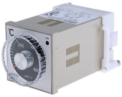 Omron E5c2 Onoff Temperature Controller 48 X 48mm K Type Thermocouple Input