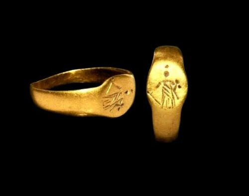 Ancient Roman Solid Gold Ring with Fortuna. RARE