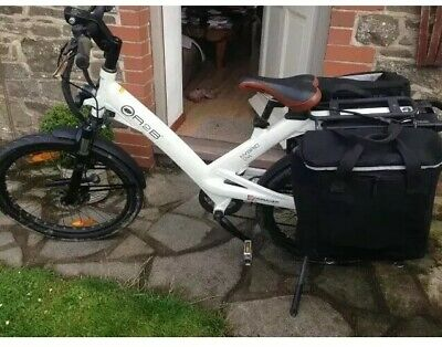 A2B Hybrid 24 White Electric Bike With 2 Panniers,Lock,Cover & Charger COMMUTER