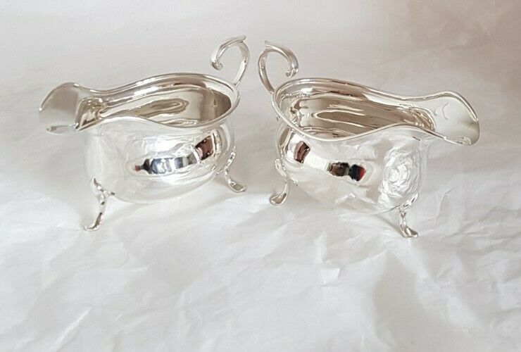 Sterling silver sauce / gravy boats. Sheffield 1922 .By Cooper Brothers & Sons