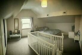 Rothwell, House with Cinema Room, Very Large Double Room, (£400)