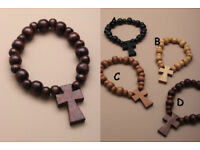 Stretch wooden beaded bracelet with wooden cross. - JTY104