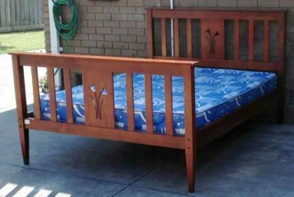 flower decoration solid timber queen bed with mattress