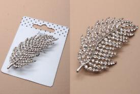 Crystal leaf brooch. Size : 7cmx3cm. - JTY223