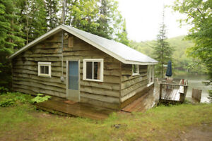 HIDEAWAY COZY WATERFRONT COTTAGE - CANADA DAY WKND AVAIL!