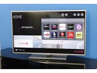 LG 42 Inch, Smart, Built in Wi-Fi TV, with Freeview HD excellent condition