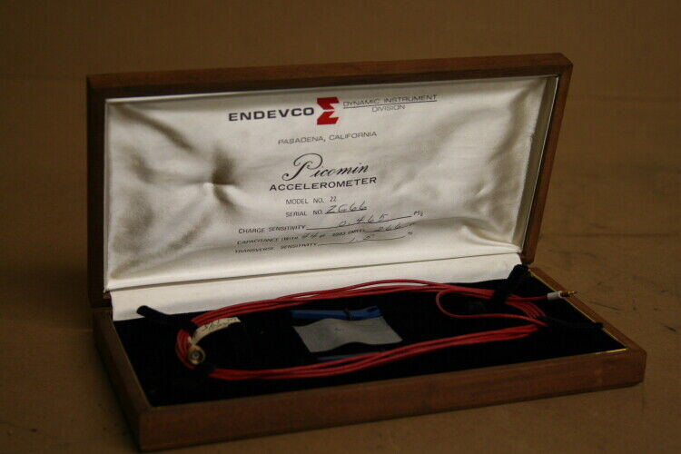 Accelerometer Piezoelectric Endevco Picomin Model 22