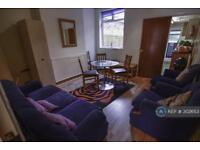4 bedroom house in Tiverton Road, Birmingham, B29 (4 bed)