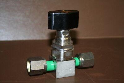 Valve 1/4in VCR Stop valve FUDD FL-71-6.35-2-316LP-UP Fujikin
