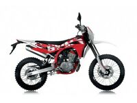 NEW SWM RS 125 R ENDURO 125CC, FOR £18.65 PER WEEK