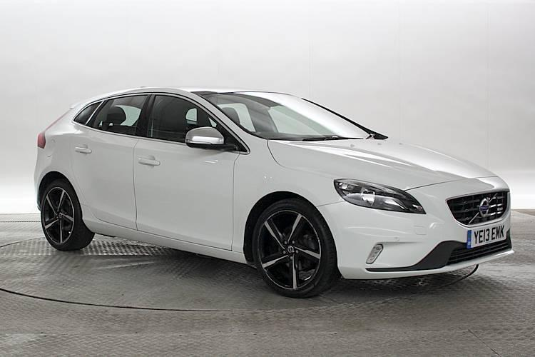 2013 13 reg volvo v40 1 6 d2 r design white 5 standard diesel manual in west london london. Black Bedroom Furniture Sets. Home Design Ideas
