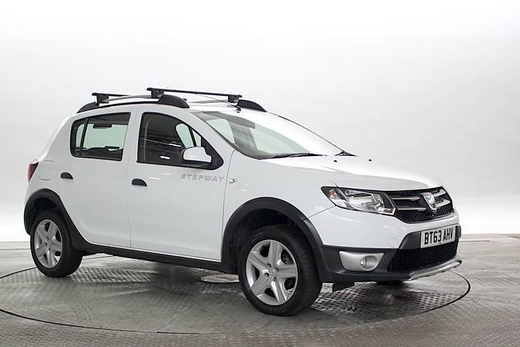 2014 63 reg dacia sandero 0 9 tce laureate stepway white 5 standard petrol man in west. Black Bedroom Furniture Sets. Home Design Ideas
