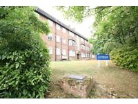 Well Presented, 2/3 double bed, Modern, Bright, Wood Floors, Neutral Décor, Convenient Location