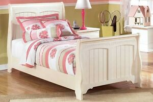 Cottage Retreat Sleigh Bed