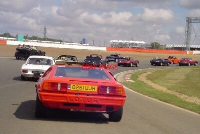 PHOTO  SILVERSTONE 10 THE 2010 RETRORUN PARTICIPANTS TAKE TO THE TRACK FOR THEIR