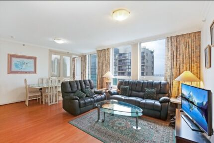 Luxrius CBD huge room for rent (fully furnished!)
