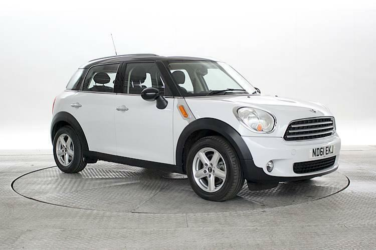 2017 61 Reg Mini Countryman 1 6 Cooper D All4 Light White 5 Standard Sel
