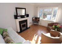 **2 bedroom and 2 reception split level maisonette minutes from Arnos Grove/New Southgate**