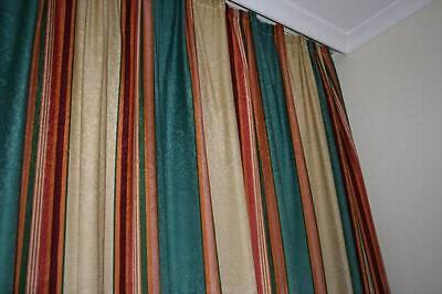 MA16g Moderne Hotelzimmer Hotel Verdunkler Vorhang Gardine grün gestreitft Store