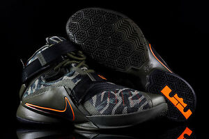 Nike Basketball Shoes LeBron Soldier IX PRM