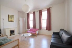 Lovely Modern 4 dbl bed Hse, Kitchen/Diner, Garden, Parking, Convenient Location