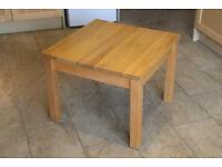 """Oak coffee table size width 26"""" x 26"""", height 20"""""""