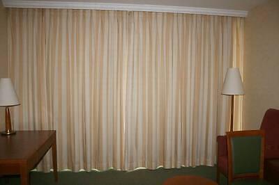 MaDü17 Hotelzimmer Hotel Verdunkler Vorhang Gardine gold gelb gestreitft Store