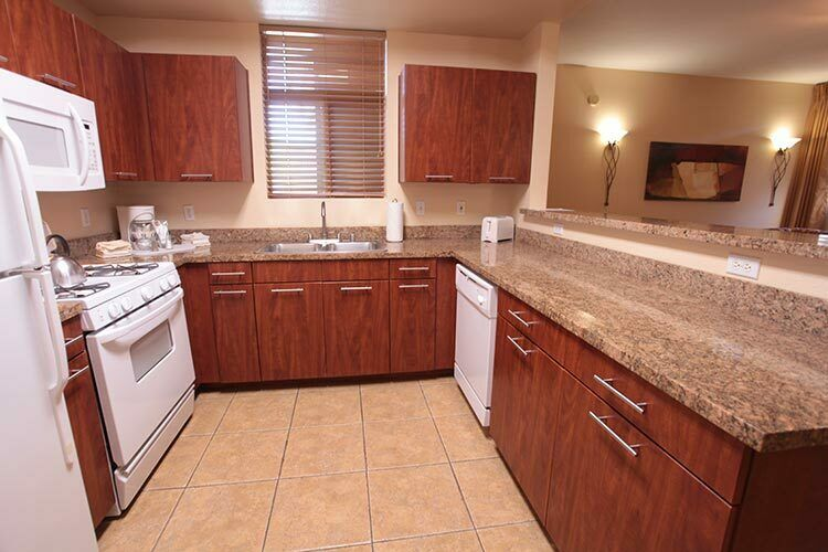 THE CLIFFS AT PEACE CANYON 4TH OF JULY FIXED WEEK BIENNIAL 1 BEDROOM SUITE - $1.00