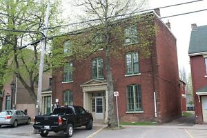 Two Bedroom Heritage Style Apartment - Downtown