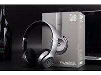 Beats by Dre solo 2 wireless Bluetooth headphones