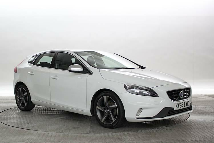 2013 63 reg volvo v40 1 6 d2 115 r design ice white 5 standard diesel manual in west london. Black Bedroom Furniture Sets. Home Design Ideas