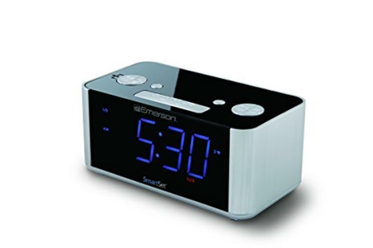 Emerson SmartSet Alarm Clock Radio, USB port for iPhone/iPad