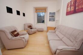 Bright 1 bedroom flat with modern décor and garden access in Gorgie available March!
