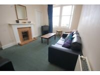 Spacious 6 bed festival flat near Bruntsfield Links available August