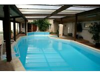 FRANCE - Large house with exclusive use of swimming pool and games room. Accommodates up to 8/9