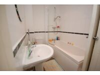 STUDENTS 2018: Large 3 bed 2nd floor flat with separate lounge, TV & WiFi available September