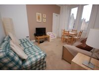 Beautifully decorated 2 bedroom flat with garden access available September - NO FEES!