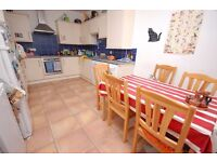 STUDENTS 17/18: 5 Bedroom Property in Marchmont Available September - NO FEES!