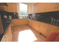 STUDENTS 17/18: Spacious 4 bedroom HMO property situated on Leith Walk available August – NO FEES