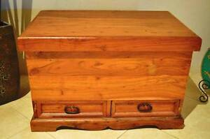SOLID WOODEN OAK TRUNK, CHEST, BLANKET BOX, TOY BOX & 2 DRAWERS Ellenbrook Swan Area Preview