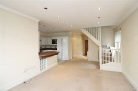 2RCC- Spacious THREE BED DUPLEX MAISONETTE (1st & 2nd Floor)-Private Entrance & Parking-Finchley, N3