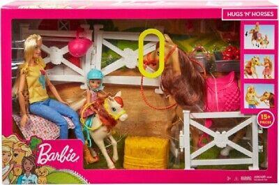 Barbie Hugs 'N' Horses - playset Barbie and Chelsea and 2 horses Brand New