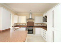 3 bedroom flat in Rozelle, Church Crescent, London, N3(Ref: 6836)
