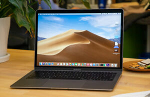 MacBook Air 2018--Mint condition