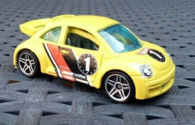 Hot Wheels Volkswagen New Beetle Cup Pop Offs No1 yellow