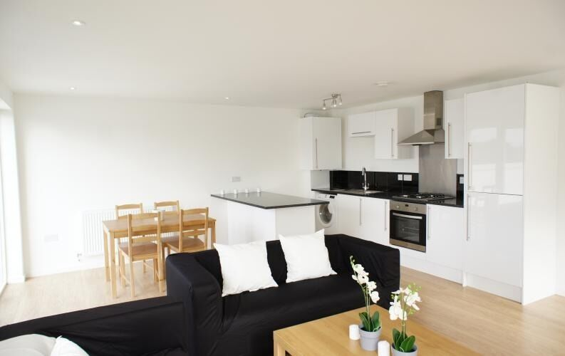 Available soon - 2 bed modern flat in Stockwell