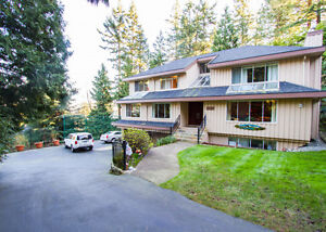 $6450 (ORCA_REF#3642M)WEST BAY FAMILY HOME at the end of Cul-de-