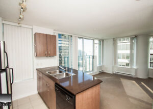 $1850(ORCA_REF#1095-610G)This bright South West corner suite