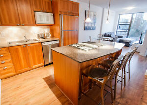 $2050(ORCA_REF#803-1723A)***Fantastic One bedroom home with Gour