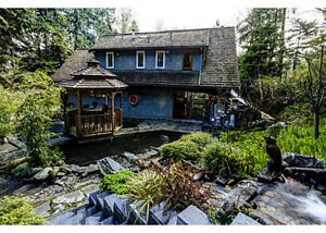 $4500(ORCA_REF#2833M)3 level home offers 5 bedrooms, 4 bathrooms